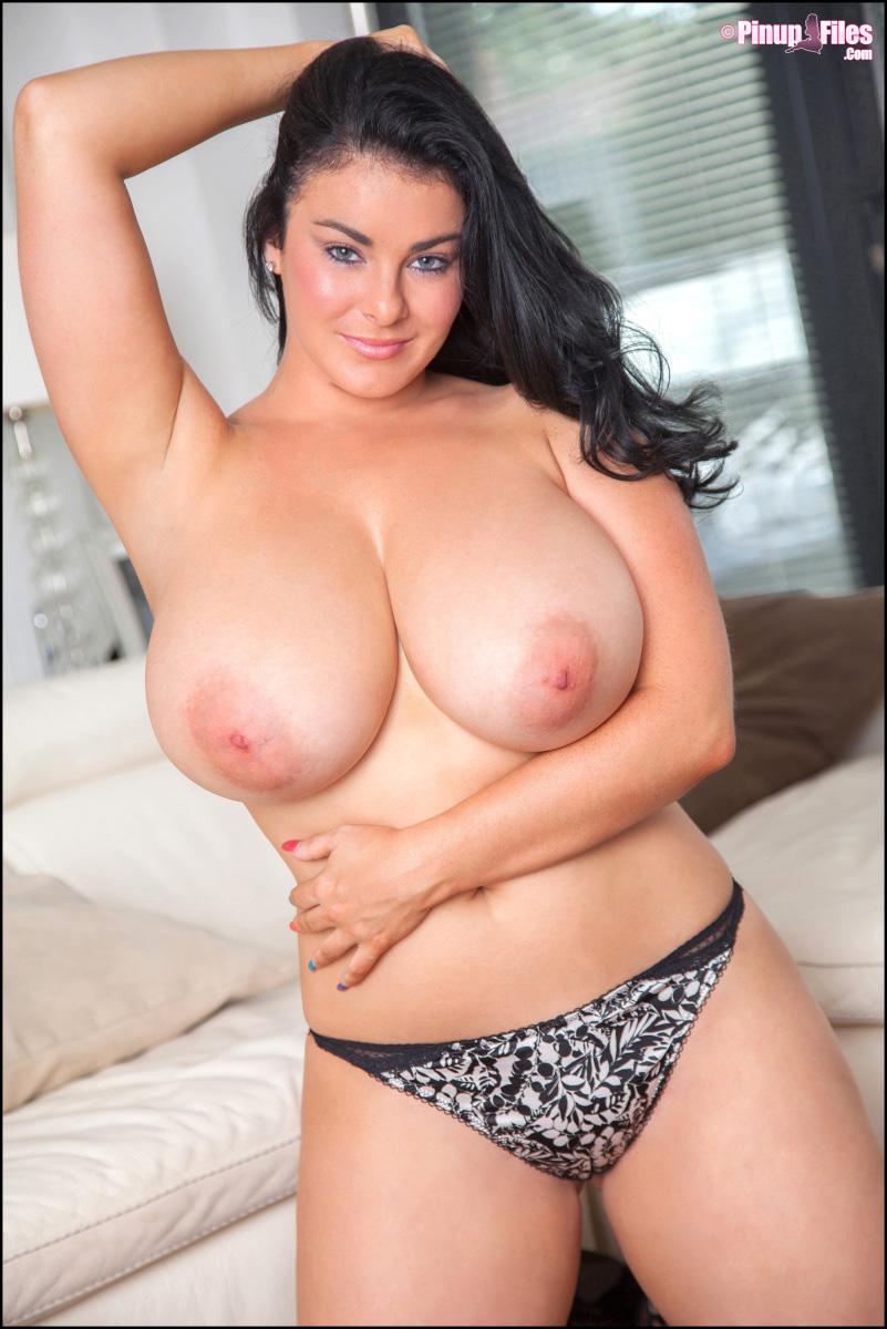 Hot woman nude big tits