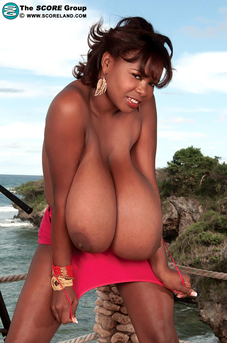 Miosotis big black breasts