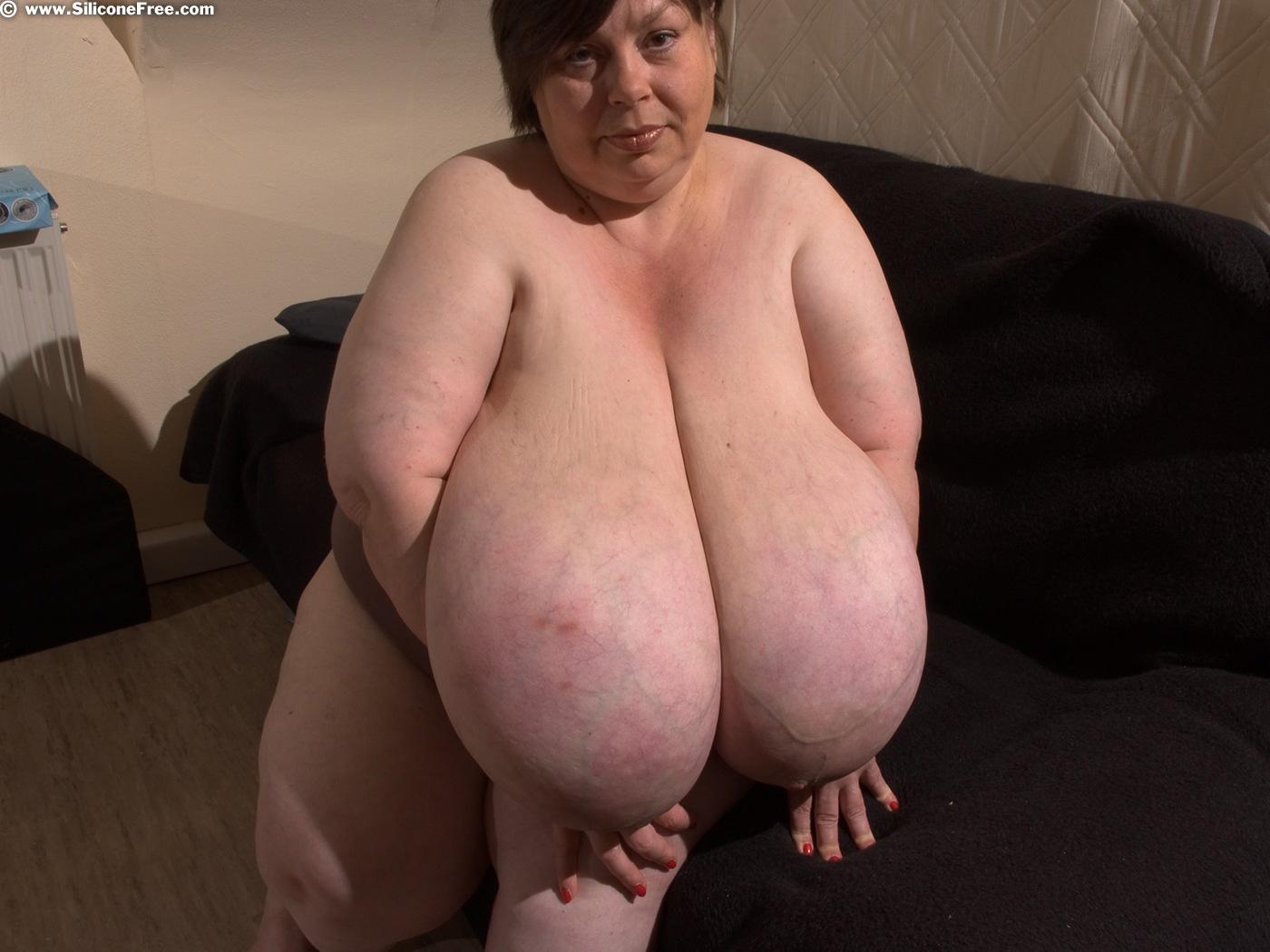 huge boobs karola